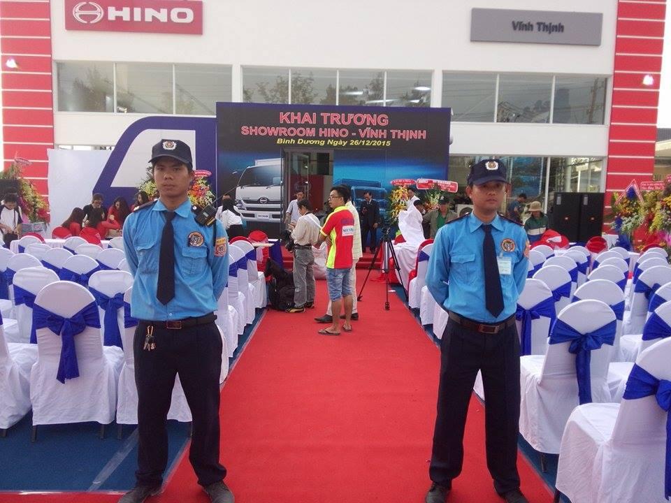 Trang phục của bảo vệ sự kiện