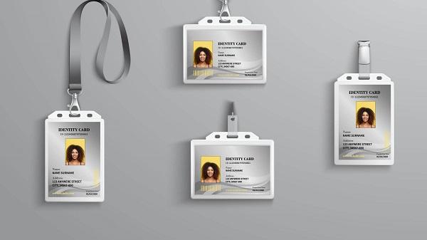 thẻ nhân viên theo chiều đứng dọc và chiều ngang