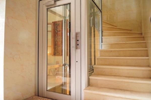 Nội thất thang máy cũng giúp gia chủ lựa chọn thang máy gia đình loại nào tốt và chất lượng nhất