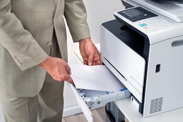 Vệ sinh khay giấy máy photocopy