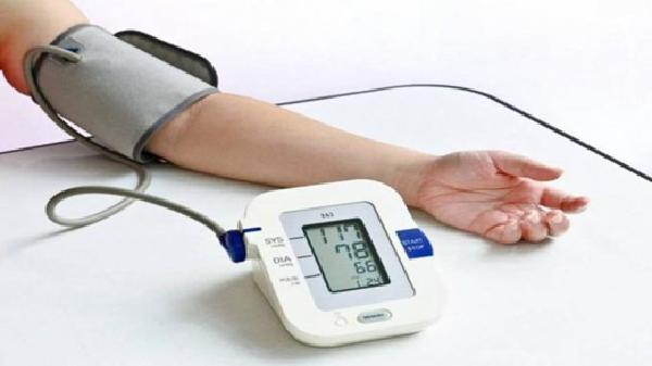 Các thiết bị theo dõi sức khỏe là món trong những món quà sinh nhật cho người lớn tuổi rất ý nghĩa