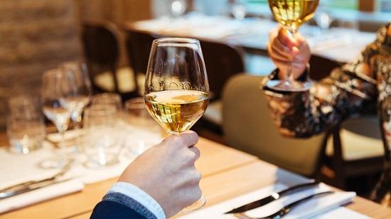 Vì sao vang Pháp loại rượu vang ngon nhất thế giới?