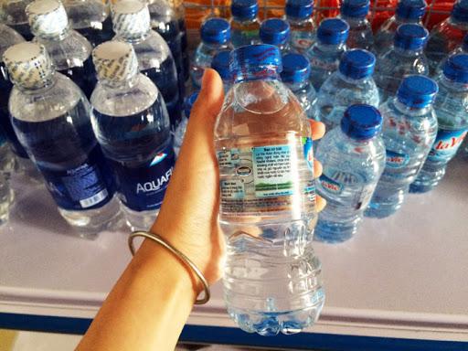 Tem nhãn nước đóng chai phải có đầy đủ thông tin về sản phẩm