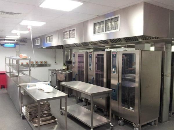 Thiết bị bếp công nghiệp có công suất hoạt động lớn