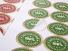 Sử dụng tem nhãn có 1 đến 2 màu sắc để tiết kiệm chi phí
