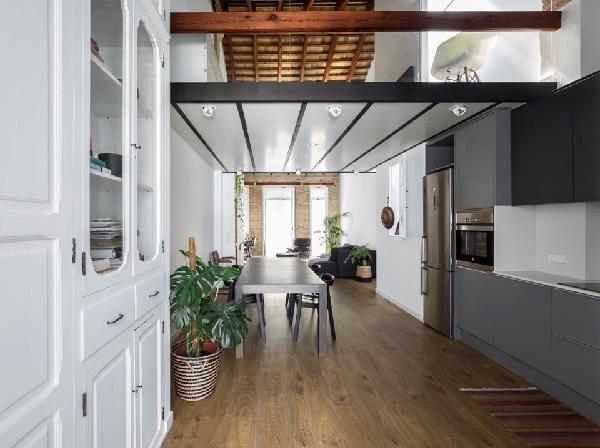 Kết hợp thiết kế nội thất nhà 3 tầng với màu sắc hài hòa